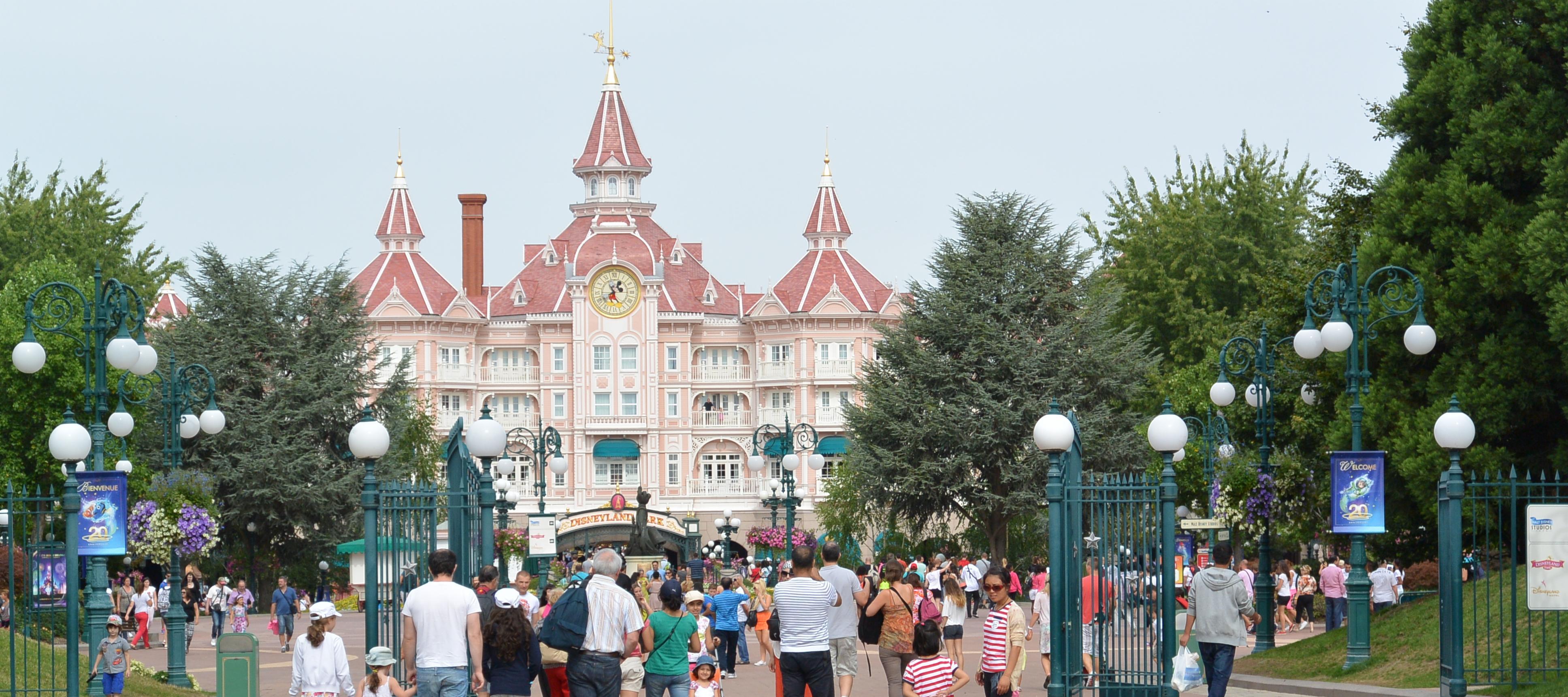 Disneyland Paris Park Entrance at the Disneyland Hotel