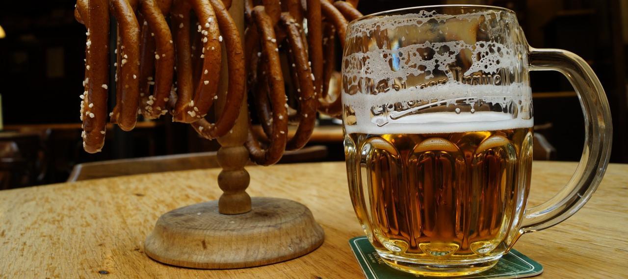 Beer & pretzels in beer hall in Prague