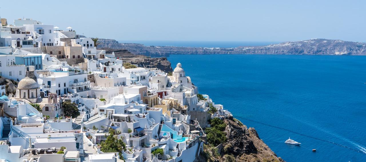 Hike from Oia to Fira in Santorini - Santorini Bucket List