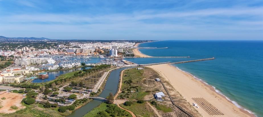 Beach in Vilamoura in the Algarve