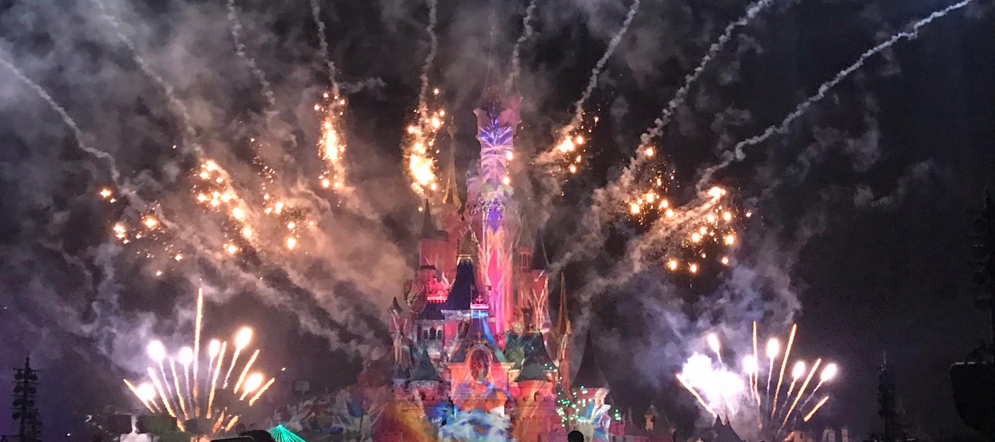 The Spectacularly Sparkly Disney Illuminations Show at Disneyland Paris
