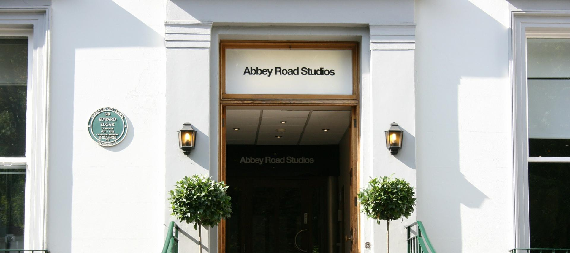 Abbey Road Studios in London | 6 Alternative Things to Do in London
