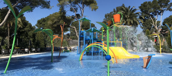 Kids splash playground at Spanish KelAir campsite