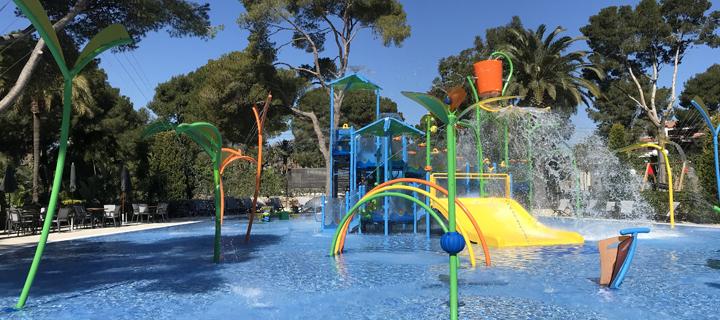 Kids splash playground at Spanish KelAir campsite