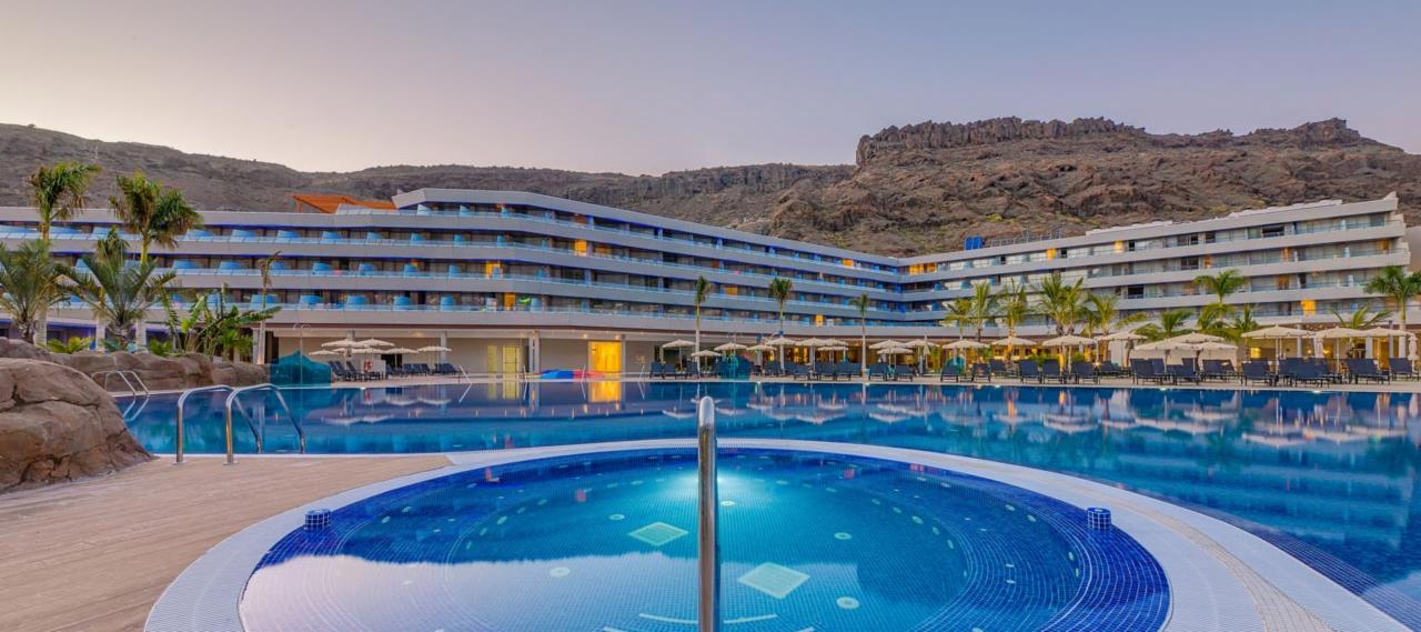Swimming pool view in the Radisson Blu hotel in Mogan, Gran Canaria