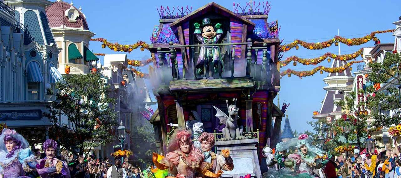 Disneyland Paris Halloween Party 2018.Your Guide To Halloween In Disneyland Paris With Click Go
