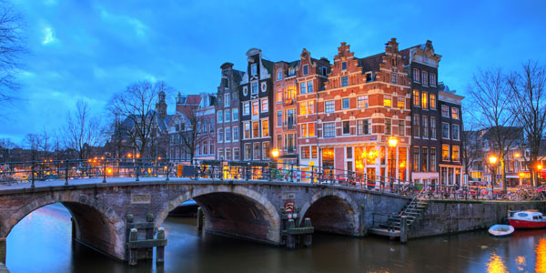 Amsterdam Christmas Markets - Book today with Click&Go