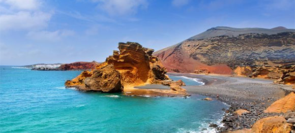 When to find the best holiday deals to Lanzarote