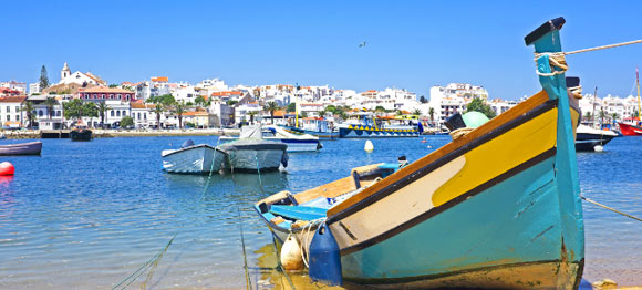 When to find the best holiday deals to the Algarve