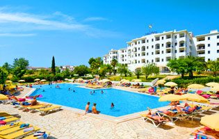 Shannon Package Holidays Cheap Holidays To The Algarve - Praia Do Vau